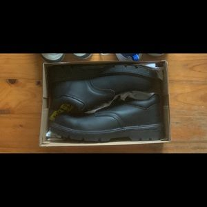 BRAND NEW MENS WORK SHOES OR SCHOOL SHOES